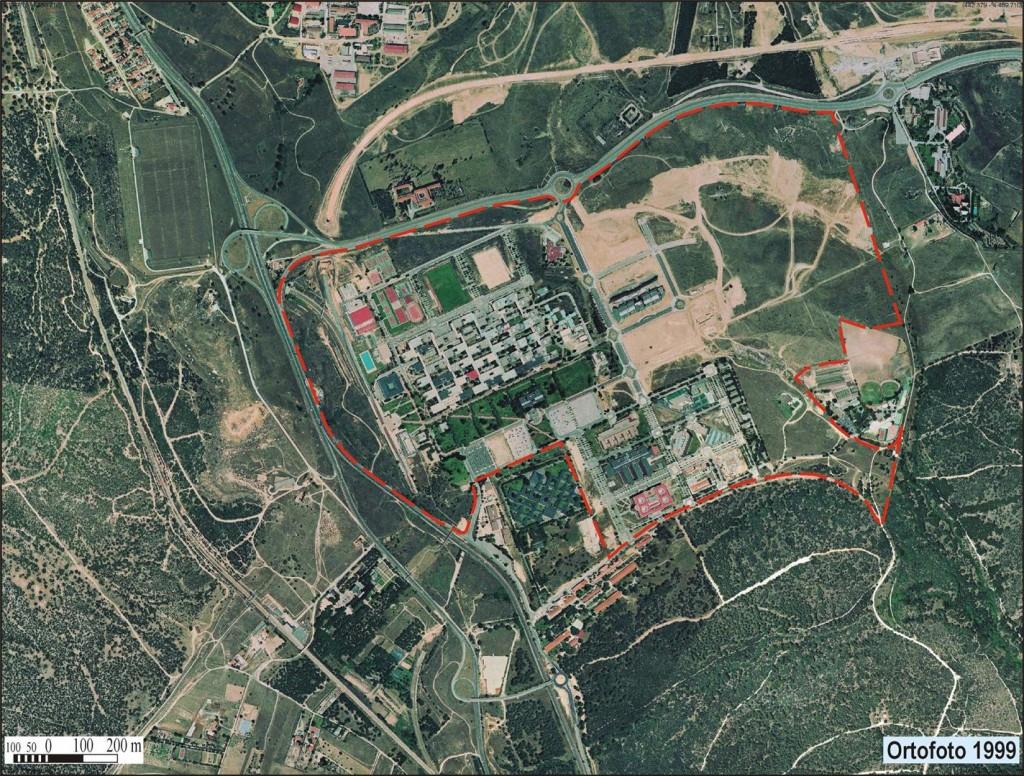 Recinto y edificaciones de la UAM en 1999 entre el monte de El Pardo y Valdelatas