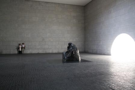Interior de la Neue Waxhe y Pietà Kollowitch