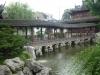 38-Shanghai-2012_puente-cubierto-en-jardin