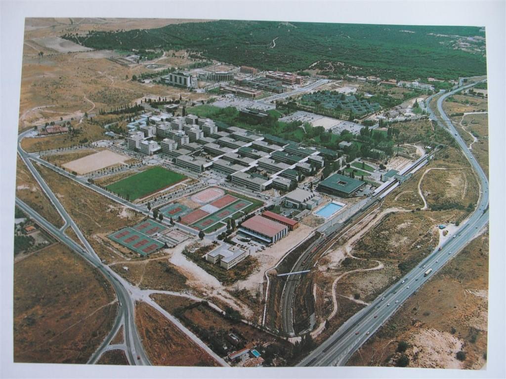 El campus de la UAM: edificación primera y ensanches. 2004. Vista desde el Norte (Fte. David Porras).